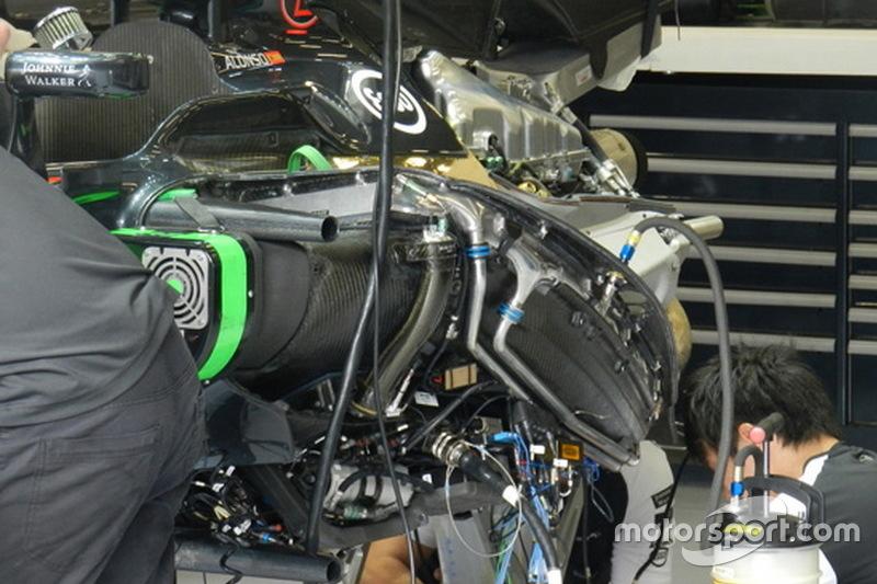 McLaren, spostato più in basso il pacco radiante sulla power unit