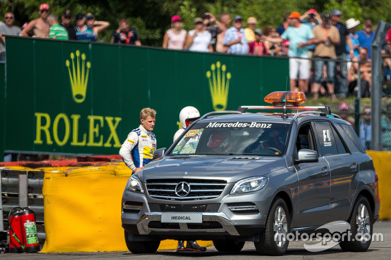 Маркус Ерікссон, Sauber F1 Team розбився в другій практиці