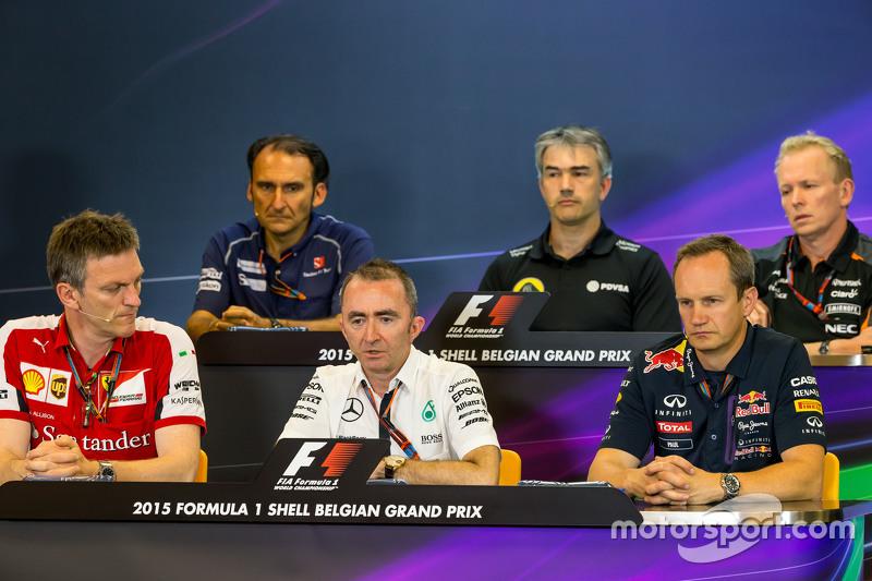 FIA Press Conference: Giampaolo Dall'Ara, Sauber F1 Team Head of Track Engineering; Nick Chester, Lo