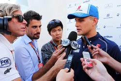 Marcus Ericsson, Sauber F1 Team met de media