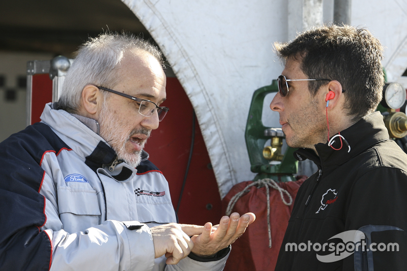 Former TC driver and champion Fabian Acuña (now engine engineer) and Juan Manuel Silva, Catalan Mag