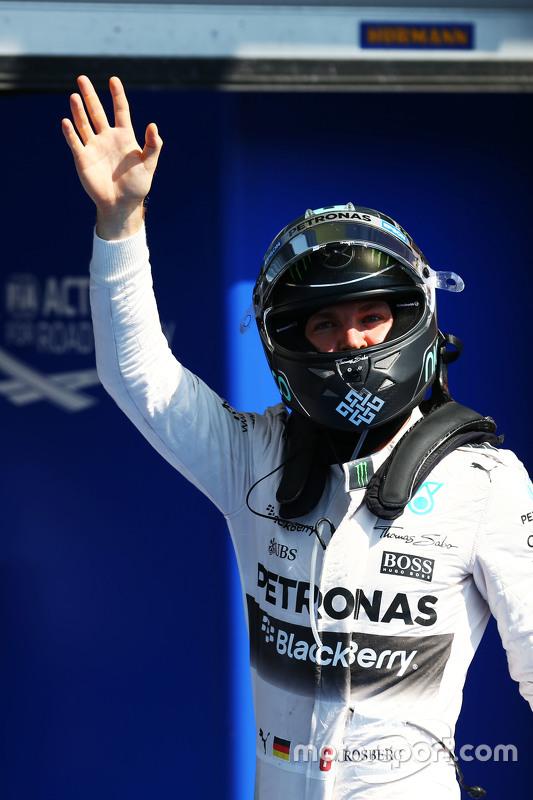 Ніко Росберг, Mercedes AMG F1 святкує друге місце в кваліфікації в закритому парку