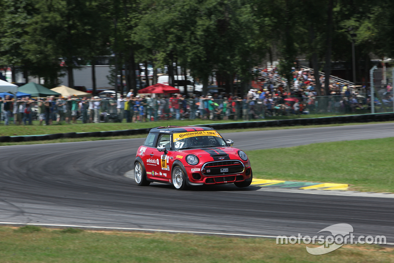 #37 Mini John Cooper Works Team Mini JCW: Zach Meyer, Stephen Simpson