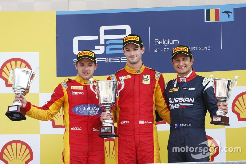 Podium : le deuxième, Jordan King, le vainqueur Alexander Rossi, Racing Engineering et le troisième, Mitch Evans, RUSSIAN TIME