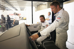 Jenson Button und Fernando Alonso, McLaren, MP4-30