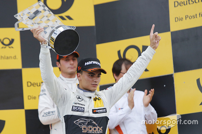 Podium: race winner Pascal Wehrlein, HWA AG Mercedes-AMG C63 DTM
