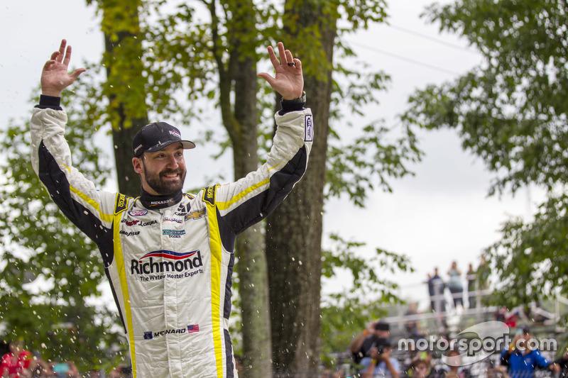 Race winner Paul Menard, Richard Childress Racing Chevrolet