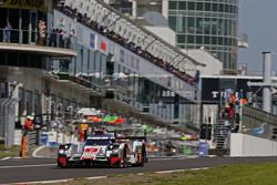 #7 Audi Sport Team Joest Audi R18 e-tron quattro: Марсель Фесслер, Андре Лоттерер, Бенуа Трелюйе
