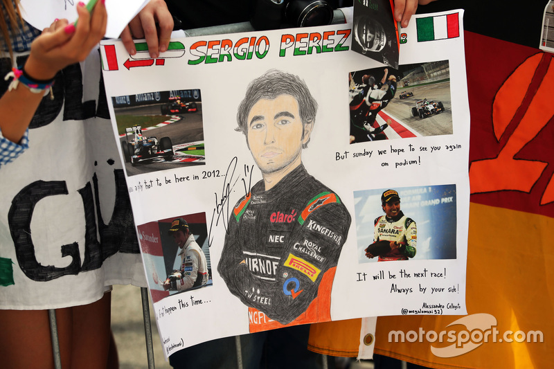 Sergio Perez, Sahara Force India F1 fans banner