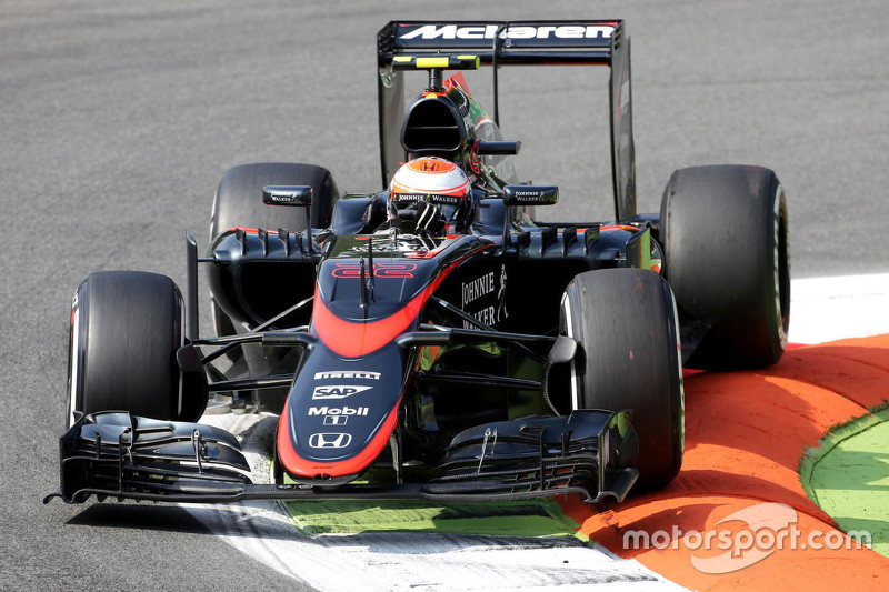 Jenson Button, McLaren, MP4-30