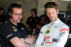 Romain Grosjean, Lotus F1 Team and Julien Simon-Chautemps, Romain Grosjean race engineer