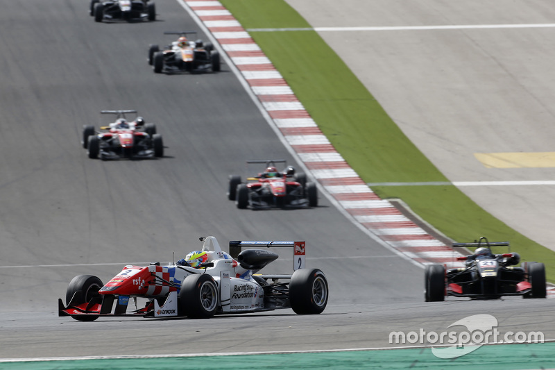 Jake Dennis, Prema Powerteam Dallara Mercedes-Benz; Alexander Albon, Signature Dallara Volkswagen; L