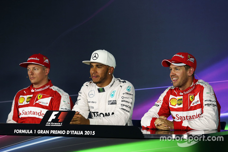 Lewis Hamilton, Mercedes AMG F1 Team, mit Kimi Räikkönen, Ferrari, und Sebastian Vettel, Ferrari