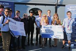 Жан Тодт,президент FIA и Льюис Хэмилтон, Mercedes AMG F1 на промо-мероприятии по безопасности дорожного движения