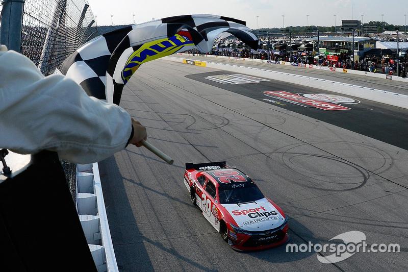 Race winner Denny Hamlin, Joe Gibbs Racing