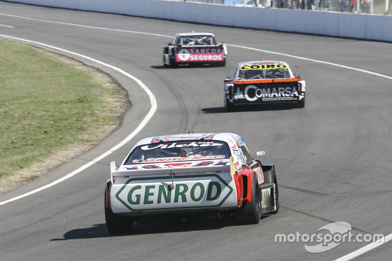 Pedro Gentile, JP Racing Chevrolet and Camilo Echevarria, Coiro Dole Racing Torino and Jose Manuel Urcera, JP Racing Torino