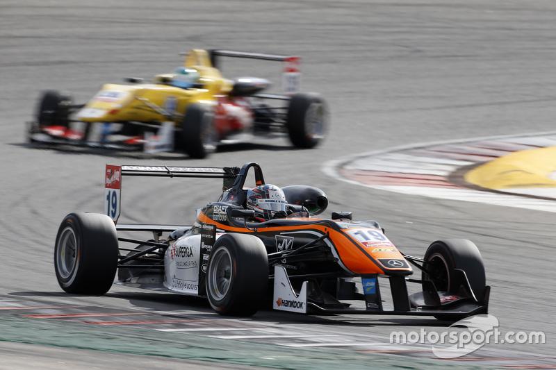 Matt Solomon, Double R Racing Dallara Mercedes-Benz; Ryan Tveter, Jagonya Ayam with Carlin Dallara V