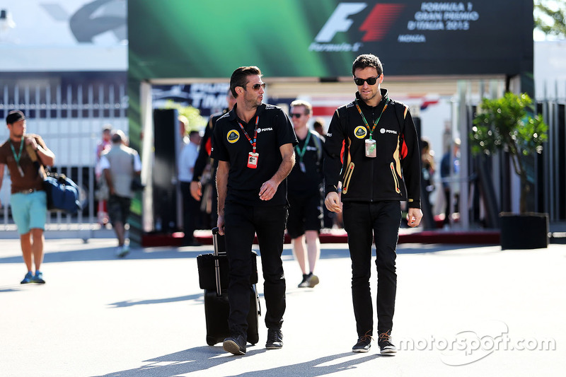Matthew Carter, Lotus F1 Takımı CEO'su ile Jolyon Palmer, Lotus F1 Takımı Test ve Yedek Pilotu