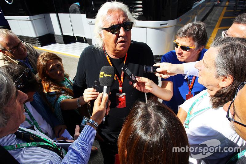 Flavio Briatore mit der Presse