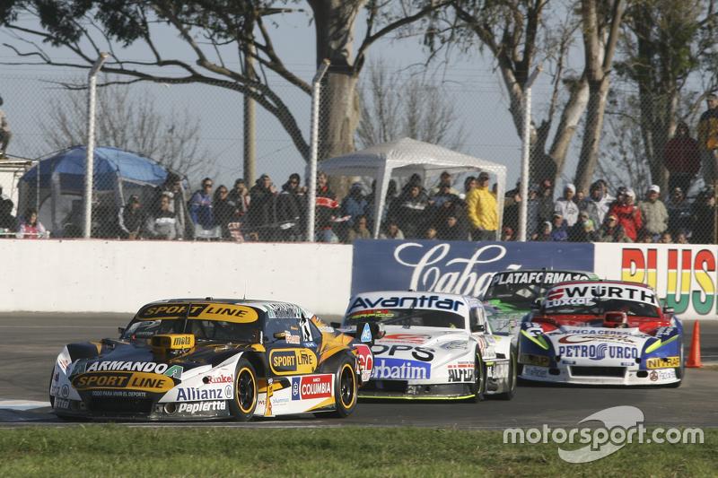 Leonel Pernia, Las Toscas Racing Chevrolet and Leonel Sotro, Alifraco Sport Ford and Juan Martin Trucco, JMT Motorsport Dodge