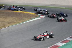 Start: Felix Rosenqvist, Prema Powerteam Dallara Mercedes-Benz leads