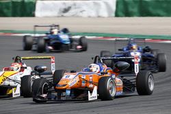 Michele Beretta, Mücke Motorsport Dallara Mercedes-Benz, dan Arjun Maini, Van Amersfoort Racing Dall