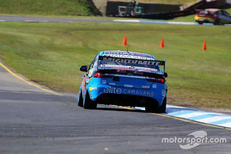 Чез Мостерт та Cameron Waters, Prodrive Racing Australia Ford