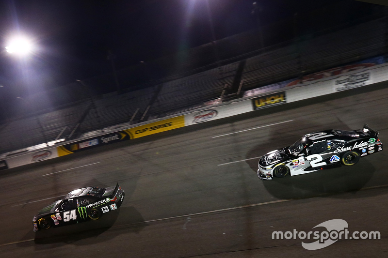 Kyle Busch, Joe Gibbs Racing Toyota and Brian Scott, Richard Childress Racing Chevrolet