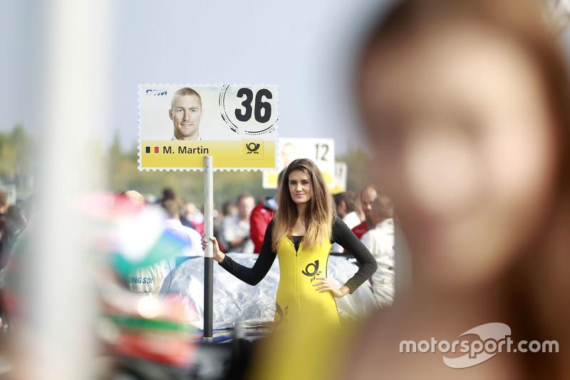 Gridgirl von Maxime Martin, BMW Team RMG, BMW M4 DTM
