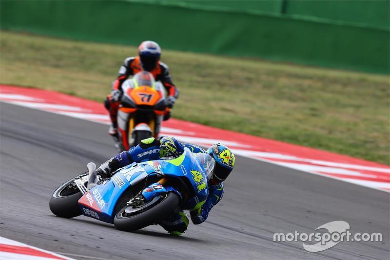 Aleix Espargaro, Team Suzuki MotoGP, und Claudio Corti, Forward Racing Yamaha