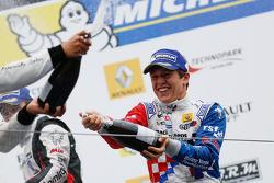 Podyum: Yarış galibi Ben Barnicoat, Fortec Motorsports