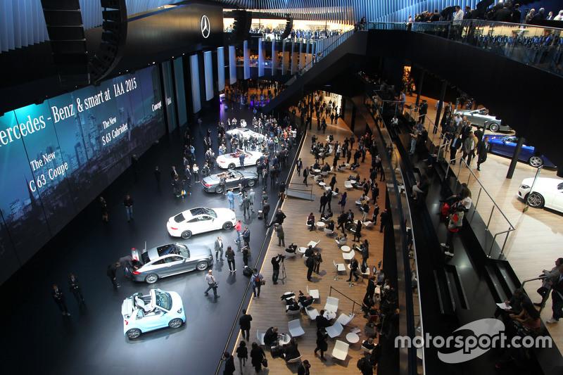 Mercedes standı