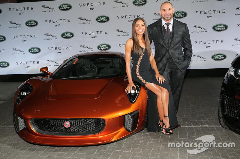 Наомі Харріс ( James Bond Spectre, Miss Moneypenny ) та Дейв Баутіста ( James Bond Spectre, Mr. Hinx