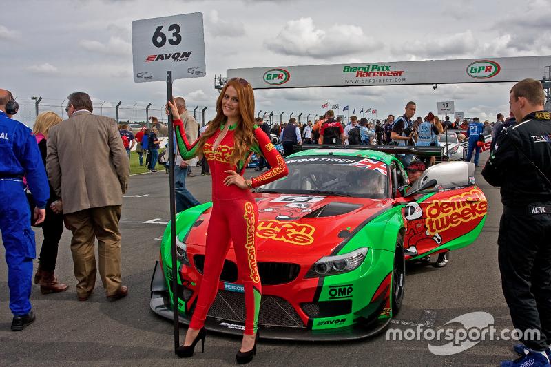 #63 Barwell Motorsport BMW Z4 GT3: Jon Minshaw, Phil Keen