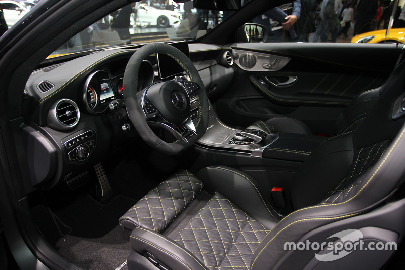 Mercedes AMG C63 versiyon 1