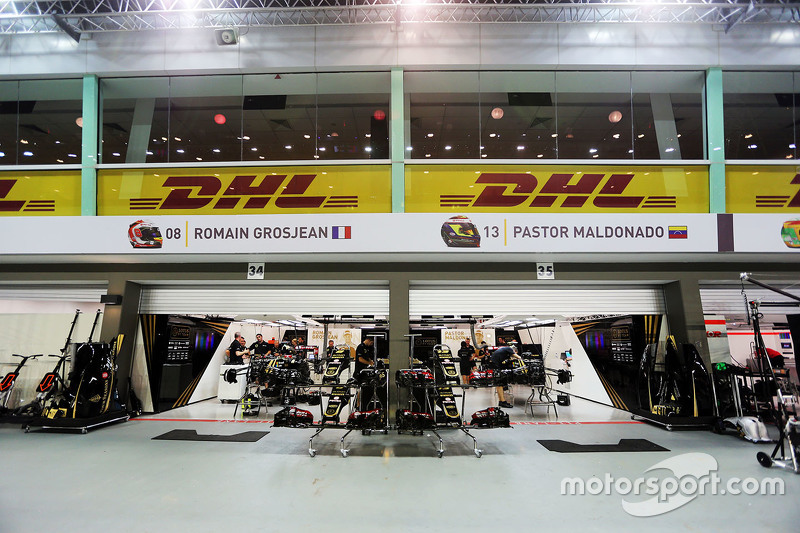 Lotus F1 Team, Boxen