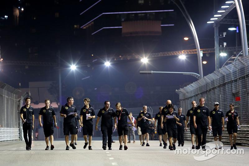 Lotus F1 Team beim Trackwalk