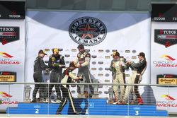 ST Podium: pemenang balapan #17 RS1 Porsche Cayman: Spencer Pumpelly, Luis Rodriguez Jr., tempat ke-2 #5 CJ Wilson Racing Mazda MX-5: Stevan McAleer, Chad McCumbee, tempat ke-3 #56 Murillo Racing Porsche Cayman: Jeff Mosing, Eric Foss
