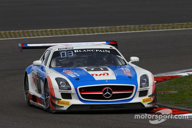 #71 GT Russian Team Mercedes SLS AMG GT3: Alexey Vasilyev, Марко Асмер, Karim Al Azhari