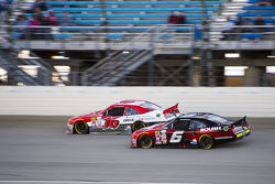 Darrell Wallace Jr., Roush Fenway Racing Ford ve Ryan Reed, Roush Fenway Racing Ford