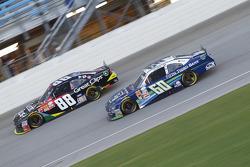Chris Buescher, Roush Fenway Racing Ford ve Kasey Kahne, JR Motorsports Chevrolet