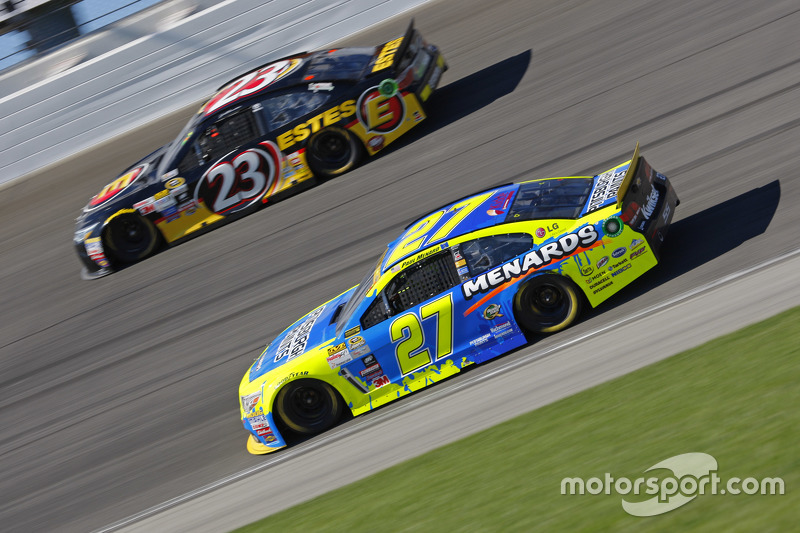 Пол Менард, Річард Чілдресс Racing Chevrolet та Джеб Бартон, BK Racing Toyota