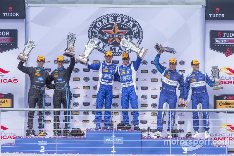 Prototype podium: Race winners #01 Chip Ganassi Racing Ford/Riley: Scott Pruett, Joey Hand, second p