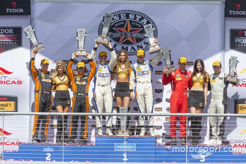 PC подіум: Переможці гонки #54 CORE autosport Oreca FLM09: Джон Беннетт, Колін Браун, друге місце #11 RSR Racing Oreca FLM09 Chevrolet: Кріс Каммінг, Бруно Джанкейра, третє місце #38 Performance Tech Motorsports ORECA FLM09: Джеймс Френч, Конор Дейлі