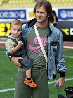 Star Team for Children VS National Team Drivers, Charity Football Match, Louis II StadiumAlbert II: Jarno Trulli, Toyota Racing with his son