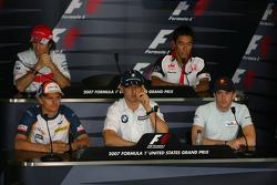Ярно Трулли, Toyota Racing, Такума Сато, Super Aguri F1, Хейкки Ковалайнен, Renault F1 Team, Роберт Кубица, BMW Sauber F1 Team и Скотт Спид, Scuderia Toro Rosso. Льюис Хэмилтон, McLaren Mercedes отсутствует так как его самолет задержался