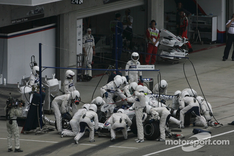Boxenstopp: Sebastian Vettel, BMW Sauber F1 Team