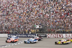 Start of the Citizens Bank 400