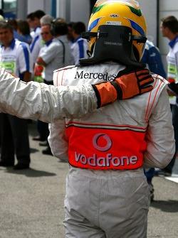 Segundo puesto Lewis Hamilton, McLaren Mercedes, MP4-22