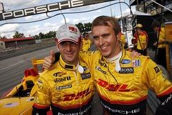 Romain Dumas et Timo Bernhard fêtent leur pole position